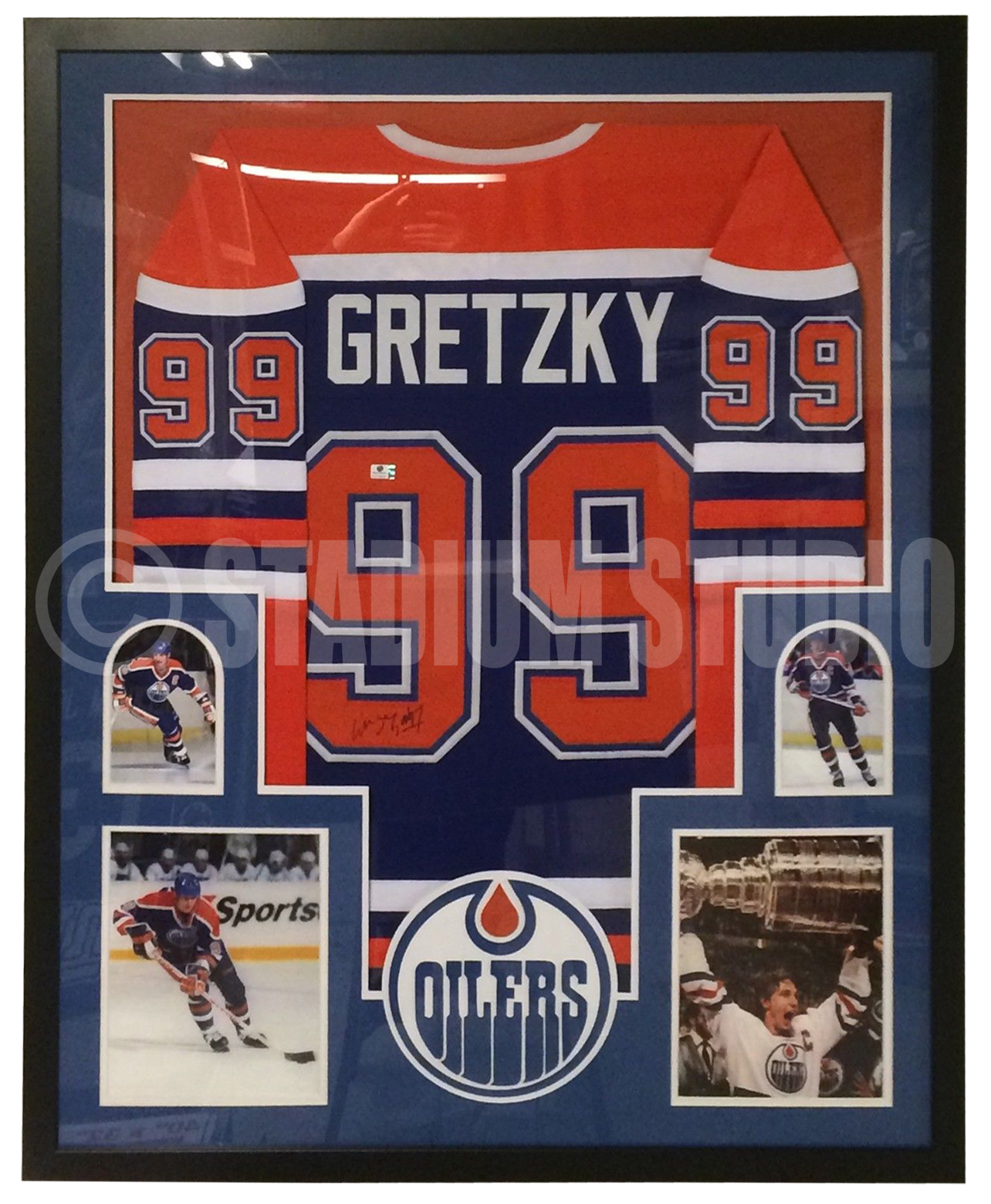 online store 6b890 16e81 Wayne Gretzky Autographed Framed Oilers Jersey